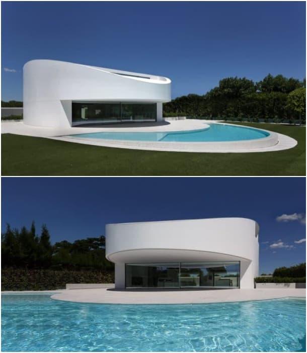 Casa de planta el ptica minimalista y con fachada de for Casa minimalista en una planta