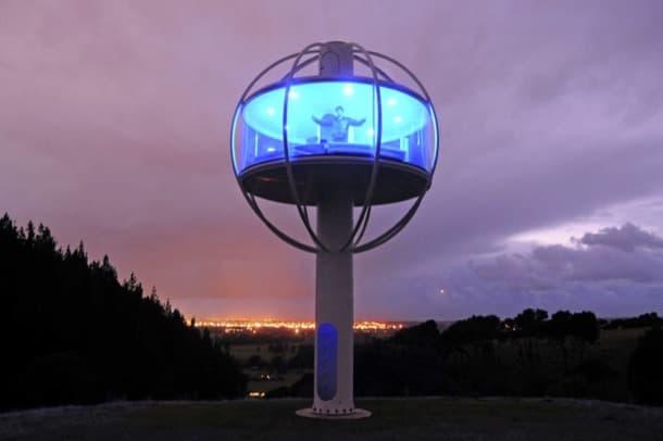 Skysphere: refugio torre con ventana panorámica