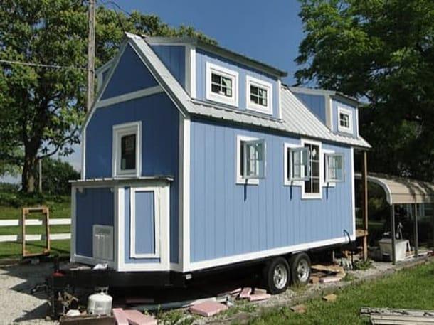 Casa sobre ruedas construida a mano