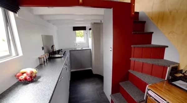 interior casita movil desenchufada Brett_Sutherland