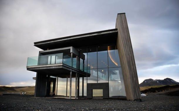 exterior moderna casa de vacaciones en Islandia