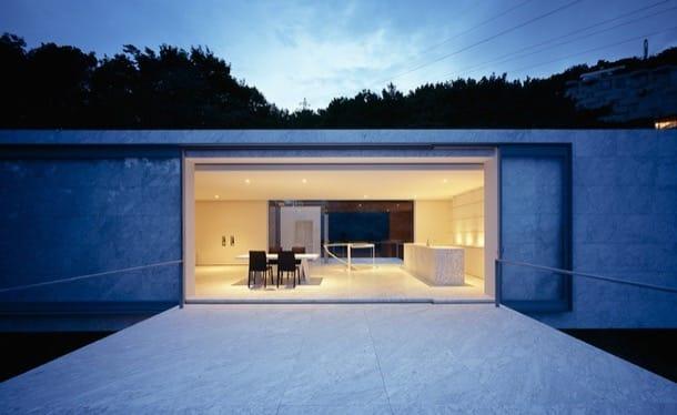 Casa de vacaciones con revestimiento de mármol