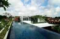 Casa Merlimau con piscina en azotea