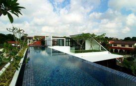 Casa con piscina en la azotea
