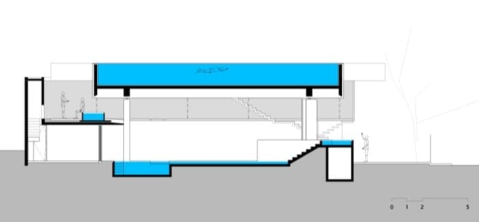 Vivienda en voladizo con piscina en la azotea y planta for Estructura para piscina