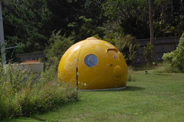 Igloo amarillo para eco turismo