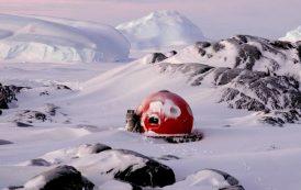 Moderno iglú prefabricado para climas extremos