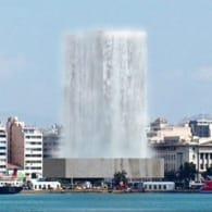 Torre del Pireo con cascada de agua