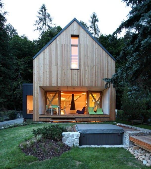 jardín con jacuzzi tapada Casa Stribrna Skalice